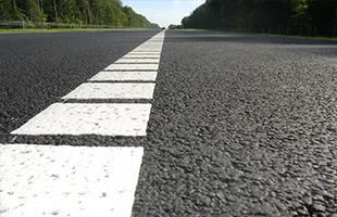 Нанесение горизонтальной дорожной разметки